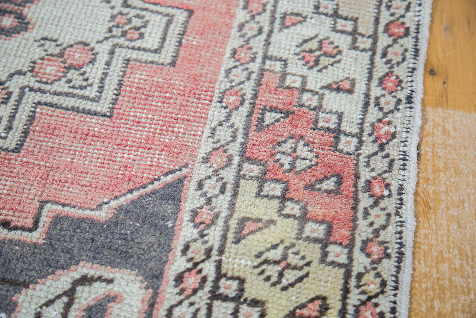 Vintage oushak rug runner ee001590 westchester ny rugs for Runners carpets and rugs
