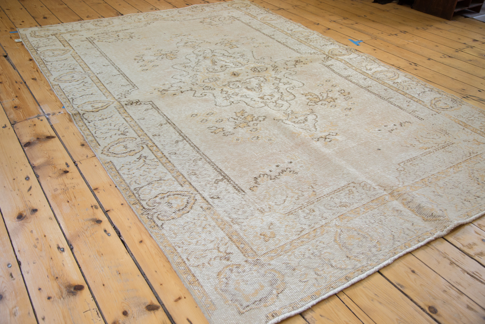 Traditional Oushak Rug