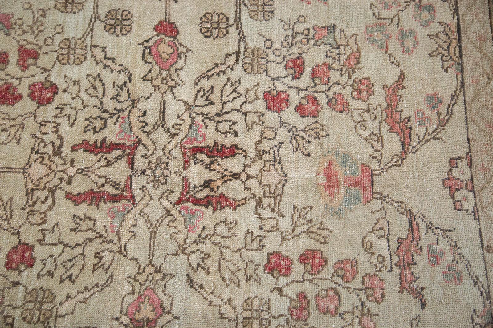 Vintage Ivory Rose Oushak