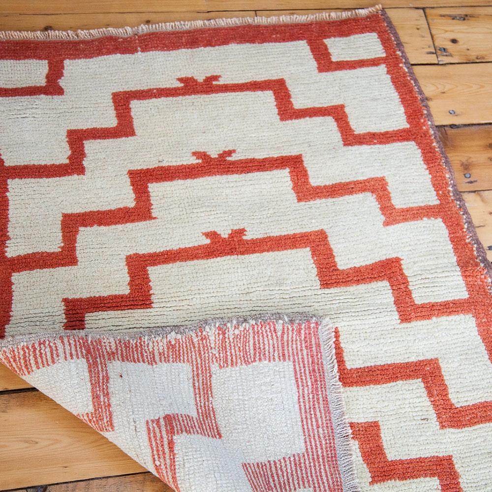 ee001247-modern-vintage-tulu-ivory-orange-rug-4